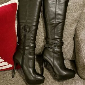 Black Leather Heeled  boots with Crisscross